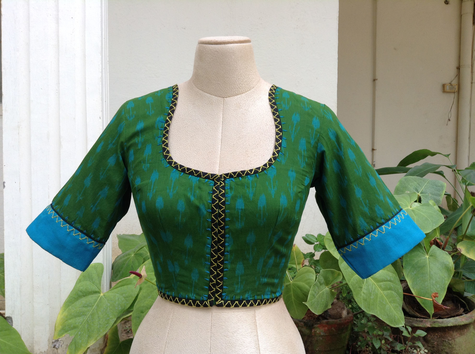 TURQUOISE AND PAISLEYS
